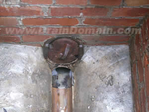 www.draindomain.com_manhole interceptor trap